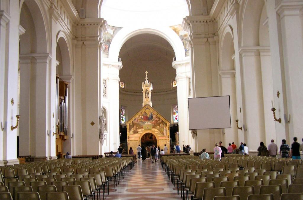 Basilica_Santa-Maria-degli-Angeli_interior